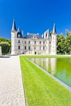 Amazing Snaps: Castle Lagorce, France