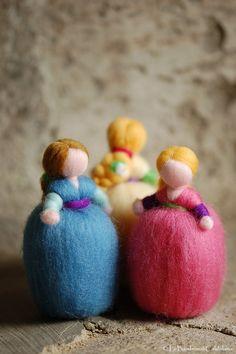 Bambi Ninetta Waldorf inspired fairytale by LeBambinediCaldalana Roving Wool, Felt Angel, Felt Fairy, Waldorf Dolls, Felt Dolls, Soft Sculpture, Handmade Items, Handmade Gifts, Beautiful Christmas