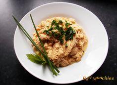 Raw Vegan Cauliflower Mashed Potatoes   Rawmunchies.org  #RECIPE HERE: http://www.rawmunchies.org/recipes #Raw #vegan #rawvegan #glutenfree #califlowermashedpotatoes