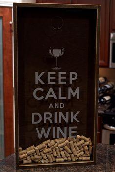 Caja de sombra de soporte de corcho del vino por ChrisONeillDesigns