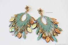 Купить Серьги перья из бисера и бусин, бирюзовый, золотой (0425) в интернет магазине на Ярмарке Мастеров