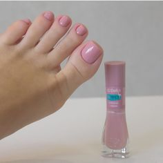 There are many toe nail designs to provide only the freshest ideas to your attention. Get These Amazing Toe Nail Colors To Choose In Purple Pedicure, Manicure E Pedicure, Best Toe Nail Color, Nail Colors, Green Nail Art, Green Nails, Toe Nail Designs, Simple Nail Designs, Nails Design