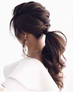 Trending messy updo ponytail wedding hairstyles Ponytail Updo, Twist Ponytail, Braided Ponytail Hairstyles, Sleek Hairstyles, Messy Updo, Ponytail Wedding Hair, Hair Updo, Medium Hair Styles, Long Hair Styles