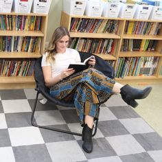 Ordinary people have big TVs, Extraordinary people have big libraries. Extraordinary People, Tvs, Libraries, Dress Up, Stylish, Pants, Trouser Pants, Costume, Library Room