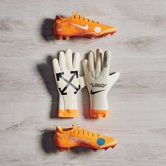 🚧 'Strapless' Nike x Off-White Mercurial Touch Elite Goalkeeper Gloves Revealed 👉 All pictures now on footyheadlines.com