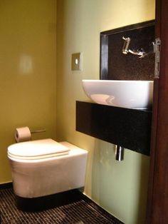 Veja como escolher os melhores modelos de vasos sanitários e cubas de pia para a reforma do seu banheiro com sofisticação e funcionalidade.