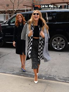 Blake Lively and Robyn Lively Out in NYC February 2017 | POPSUGAR Celebrity