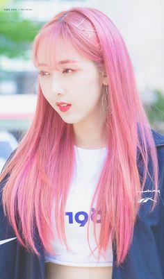 dedicated to female kpop idols. Korean Boys Ulzzang, Korean Girl, Extended Play, Sinb Gfriend, Candy Hair, Korean Beauty Girls, Aesthetic Hair, Kpop Aesthetic, G Friend