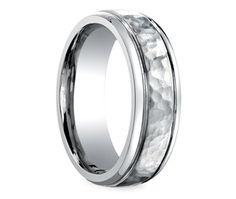Hammered Men's Wedding Ring in Titanium, a good look.