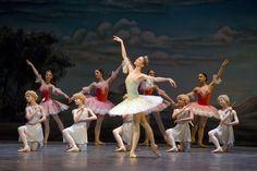 Svetlana Zakharova in scena con il Corpo di Ballo del Teatro San Carlo per #DonQuijote