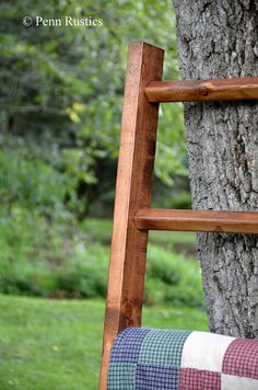 Our rustic wood quilt ladder is the perfect spot for displaying your cozy blankets and quilts. Quilt Ladder, Diy Blanket Ladder, Wood Ladder, Ladder Decor, Etsy Quilts, Country Chic Decor, Rustic Quilts, Home Goods Decor, Home Decor