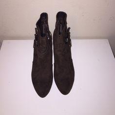 Women's Guess Size 9 Brown Suede Heel. Brand New Women's Suede Bootie Heel Guess Shoes Ankle Boots & Booties