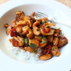 Food Wishes Video Recipes: Cashew Chicken – Chef John uses leftover chicken - it looks very easy! Easy Weeknight Meals, Easy Meals, Chinese Dinner, Chinese Food, Cashew Chicken, Grilled Chicken, Caramel Chicken, Chicken Salad, Leftover Rotisserie Chicken