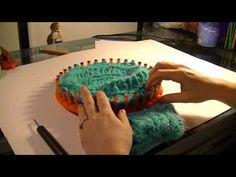 ▶ Loom Knitting - RIBBED STITCH CAST OFF - YouTube