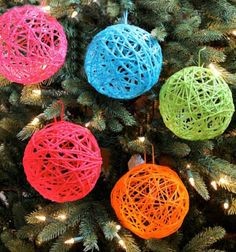 DIY Yarn Ball Ornaments - I love adding color to our Christmas and I love oversized ornaments that make a statement on a Christmas tree. These DIY yarn ball or… Easy Christmas Ornaments, Ball Ornaments, How To Make Ornaments, Christmas Angels, Simple Christmas, Christmas Crafts, Christmas Decorations, Christmas Yarn, Fabric Ornaments