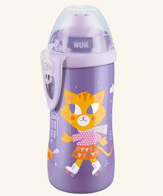 NUK Junior Cup 300ml mit Push-Pull-Tülle.  Auslaufsichere, weiche Push-Pull-Tülle aus transparentem Silikon. Mit Schutzkappe und praktischem Clip zur Befestigung an Tasche oder Hose.