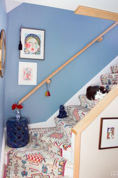 Using runners from Rugs USA I created a renter friendly stairway runner. We can now be proud of the main artery in our colourful & bold home. Wall Carpet, Carpet Stairs, Bedroom Carpet, Living Room Carpet, Shaw Carpet, Carpet Decor, Green Carpet, Carpet Colors, Stairway Decorating
