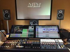 Dj controllers : Advantages of been a digital DJ controller Music Recording Studio, Audio Studio, Recording Studio Design, Home Studio Music, Studio Equipment, Dj Equipment, Studio Desk, Studio Setup, Digital Dj