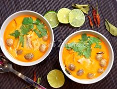 Thajská superpolévka Tom Kha Gai | KořeníŽivota.cz Quiche, Asian Recipes, Ethnic Recipes, Hcg Diet, Thai Red Curry, Toms, Good Food, Food And Drink, Health Fitness