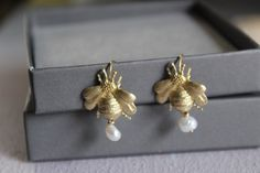 Wedding Earrings, Gold Earrings, Bee Jewelry, Gifts For Nature Lovers, June Birth Stone, Delicate Rings, Animal Jewelry, Birthstone Jewelry, Nature Inspired