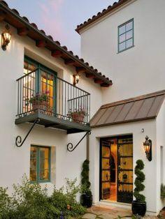 Tuscan design – Mediterranean Home Decor Exterior Paint Colors For House, Paint Colors For Home, House Colors, Paint Colours, Spanish Style Homes, Spanish House, Spanish Colonial, Style At Home, Roof Design