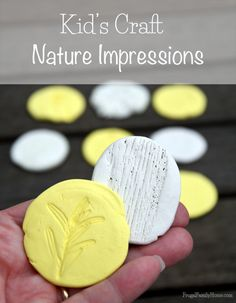 How to make nature impressions. It's a great kids craft to keep your kids from being bored | Frugal Family Home