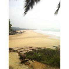 Perfekt for long beach walks.   Though the papaya women will distract you a bit with shouting her offer.   #kerala #beach #india #walking