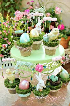 Tiny Decorative Easter Baskets - 80 Fabulous Easter Decorations You Can Make Yourself Ostern Party, Diy Ostern, Jelly Beans, Diy Osterschmuck, Easy Diy, Diy Easter Decorations, Easter Crafts For Kids, Easter Ideas, Easter Games