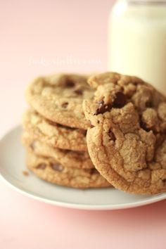 The Science of The Chocolate Chip Cookie: Explains what to do to get chewy vs crunchy, flat vs cakey - types of flour, brown/white sugar, butter/melted butter, eggs/no eggs, Awesome for anyone who wants that perfect cookie to suit your taste. PLUS a recipe for a thin & chewy cookie, my favorite.