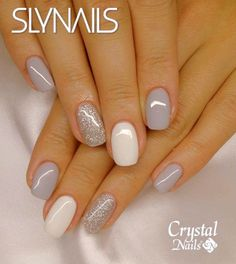 False nails have the advantage of offering a manicure worthy of the most advanced backstage and to hold longer than a simple nail polish. The problem is how to remove them without damaging your nails. Fancy Nails, Trendy Nails, Cute Nails, Crystal Nails, Nagel Gel, Gorgeous Nails, Amazing Nails, Nails Inspiration, Pinterest Inspiration