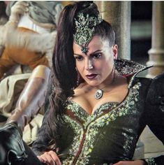 Once Upon A Time, Evil Queen Costume, Ouat Cast, Big And Rich, Queen Outfit, Time Pictures, Swan Queen, Regina Mills, Jennifer Morrison