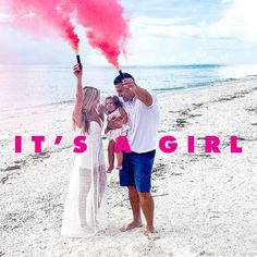 It's a Girl for this sweet family. Nothing like a Beach Reveal! Beach Gender Reveal, Sibling Gender Reveal, Gender Reveal Balloons, Gender Reveal Party Decorations, Gender Party, Baby Gender, Pretty Pregnant, Gender Announcements, Popular Girl