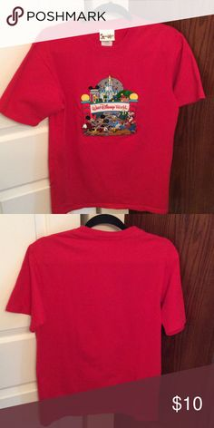 Walt Disney World T-Shirt Walt Disney World T-Shirt in red. Size medium. Tops Tees - Short Sleeve