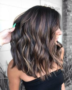 New hair short balayage brunette Ideas Short Balayage, Brown Hair Balayage, Hair Color Balayage, Brunette Hair Color With Highlights, Balayage Hair Brunette Medium, Babylights Brunette, Summer Hair Color For Brunettes, Partial Balayage Brunettes, Dark Hair With Caramel Highlights