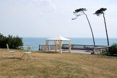 Tonnelle tolosa : 3x3m #jardin #déco #mer #soleil #détente #tonnelle http://www.alicesgarden.fr/parasol-tonnelle/tonnelle/tonnelle-tolosa