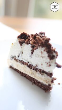 Low Carb Pharisäer Torte - LOW CARB PLANNER This Cake Recipe is sugar-free, has a #glutenfree and #lowcarb crust and is the perfect WEEKEND treat for the whole family. Low Carb Sweets, Low Carb Desserts, Sweet Desserts, Healthy Meals For Kids, Healthy Baking, Kids Meals, Best Low Carb Recipes, Low Carb Keto, Glutenfree