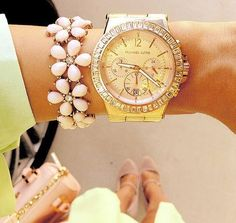 GORGEOUS Rose gold Michael Kors watch with the pink flower bracelet