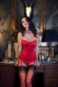 45 images formidables de lovely lingerie garter belts hot lingerie et nice asses. Black Bedroom Furniture Sets. Home Design Ideas
