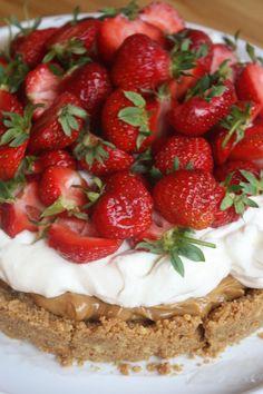 Koladröm med färska jordgubbar | Bakverk och Fikastunder
