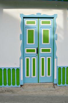 Things to do in Salento Cool Doors, Unique Doors, Entrance Ways, House Entrance, Gate Decoration, Open Door Policy, When One Door Closes, Door Detail, Door Entryway