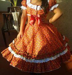 Vestido de China, huasa chilena! Dance Outfits, Frocks, Square Dance, Summer Dresses, Sd, Skirts, Babies, Clothes, Look