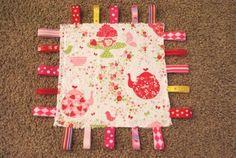 Baby Ribbon Taggie Blanket {Tutorial}