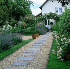 Incredible Garden Pathway Ideas For Backyard And Front Yard 24 Stone Garden Paths, Gravel Garden, Garden Stones, Pea Gravel, Brick Garden, Path Design, Landscape Design, Design Ideas, Tiered Landscape