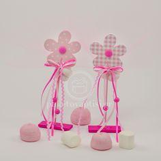 Μπομπονιέρα Βάπτισης Ξύλινη Ροζ Μαργαρίτα Stick με Ξύλινη Βάση
