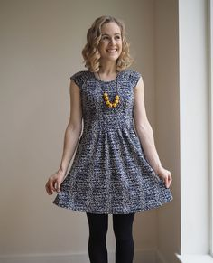 Zadie dress - Tilly and the buttons Clothing Patterns, Dress Patterns, Sewing Patterns, Sewing Ideas, Sewing Projects, Sewing Clothes, Diy Clothes, Simple Dresses, Dresses For Work