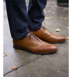Main Image - Allen Edmonds Carlyle Plain Toe Oxford (Men)