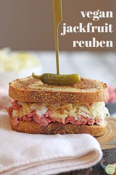 You re going to love this vegan reuben jackfruit sandwich It is packed with corned jackfruit crunchy sauerkraut and tangy Thousand Island dressing on toasted marbled rye It s a flavor-packed lunch or dinner that truly delivers via cadryskitchen Vegan Lunches, Vegan Foods, Vegan Dishes, Vegan Meals, Work Lunches, Jackfruit Recipes, Thousand Island Dressing, Vegan Sandwich Recipes, Kitchens