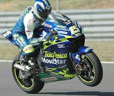Sete Gibernau gsv-r 2003. He was th second most successful rider in the 990 era behind Valentino Rossi. Falling out in 2005, Rossi said he put a curse on him to ensure he would never win again. He never did...woooooo!
