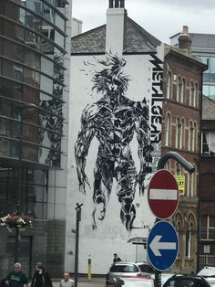 Not sure if anybody here has seen this but this mural is near the central train station in Leeds England. Raiden Metal Gear, Leeds England, Metal Gear Rising, Mgs V, Metal Gear Solid, Train Station, Live Action, Ideas Para, Ps4