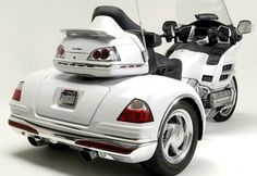White trike Honda Gold Wing 2012 - can't drop this